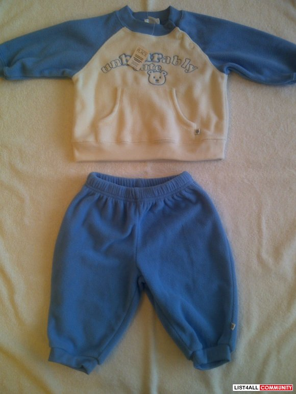 REDUCED- NWT: Children's Place Boys 6- 9 M Blue & White Fleece Set
