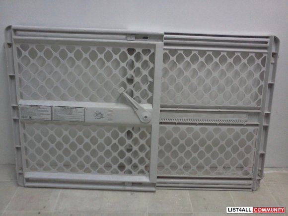 child safety gate $10 (sold)