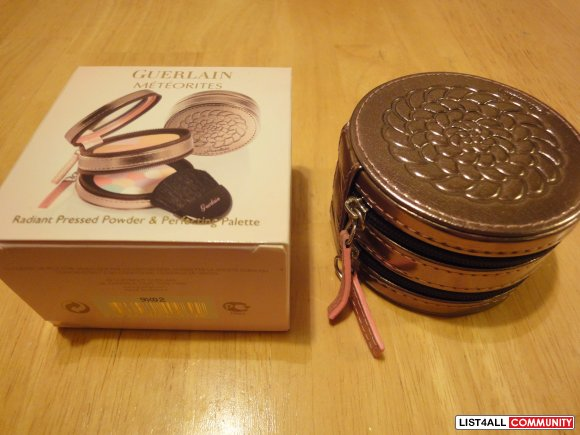 Guerlain radiant pressed powder+perfecting Palette and Free Gift