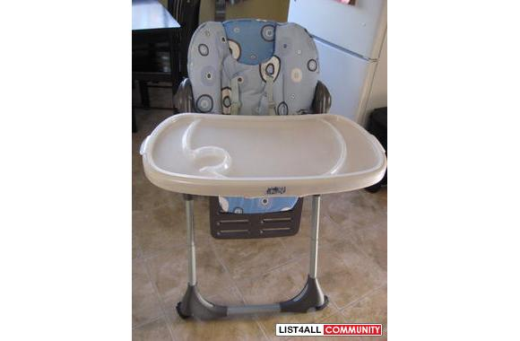 CHICCO POLLY HIGHCHAIR IN GREAT CONDITION