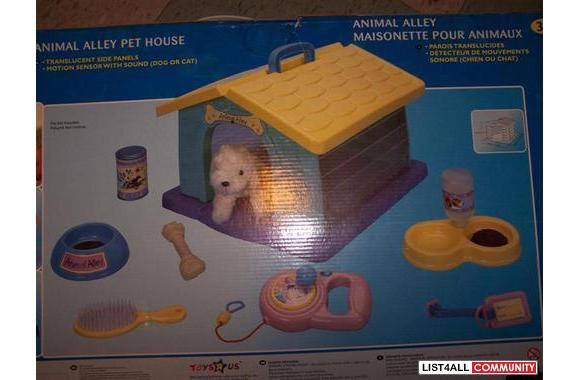 ANIMAL ALLEY PET HOUSE