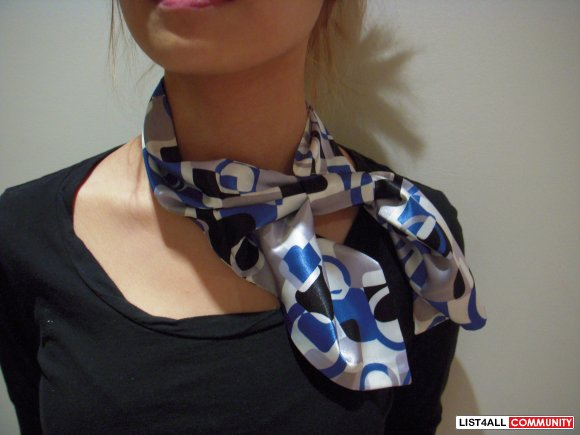 MUST see! New in packaging - Silk scarf