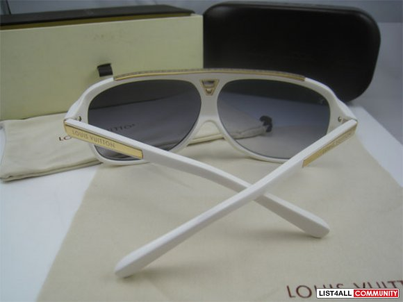 LOUIS VUITTON WHITE EVIDENCE SUNGLASSES