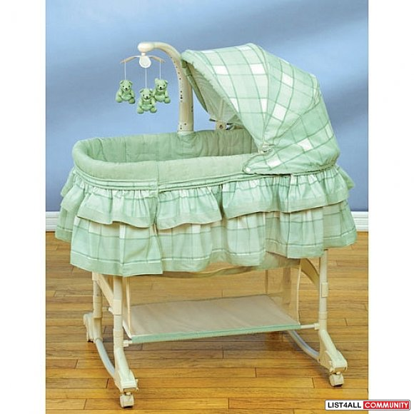 Reduced - Simplicity 4 in 1 Convertible bassinet