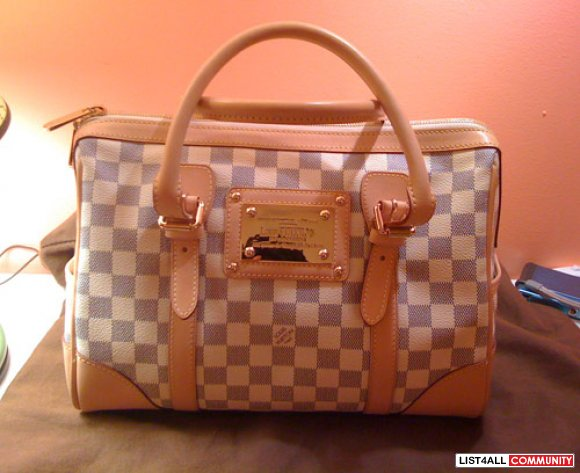 9.99999 new lv damier. purchased from hr vancouver.receipt, dust bag,