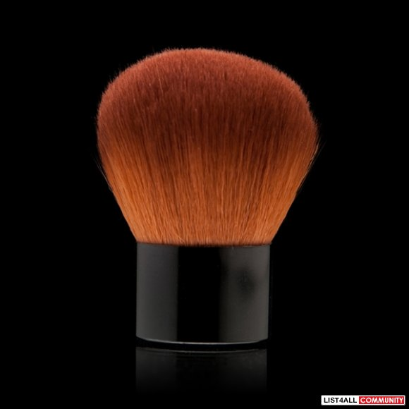 Motives Powder Brush