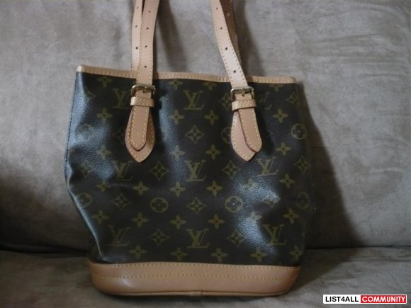 Louis Vuitton Neverfull tote small scuffing scrapes on the bottom adju